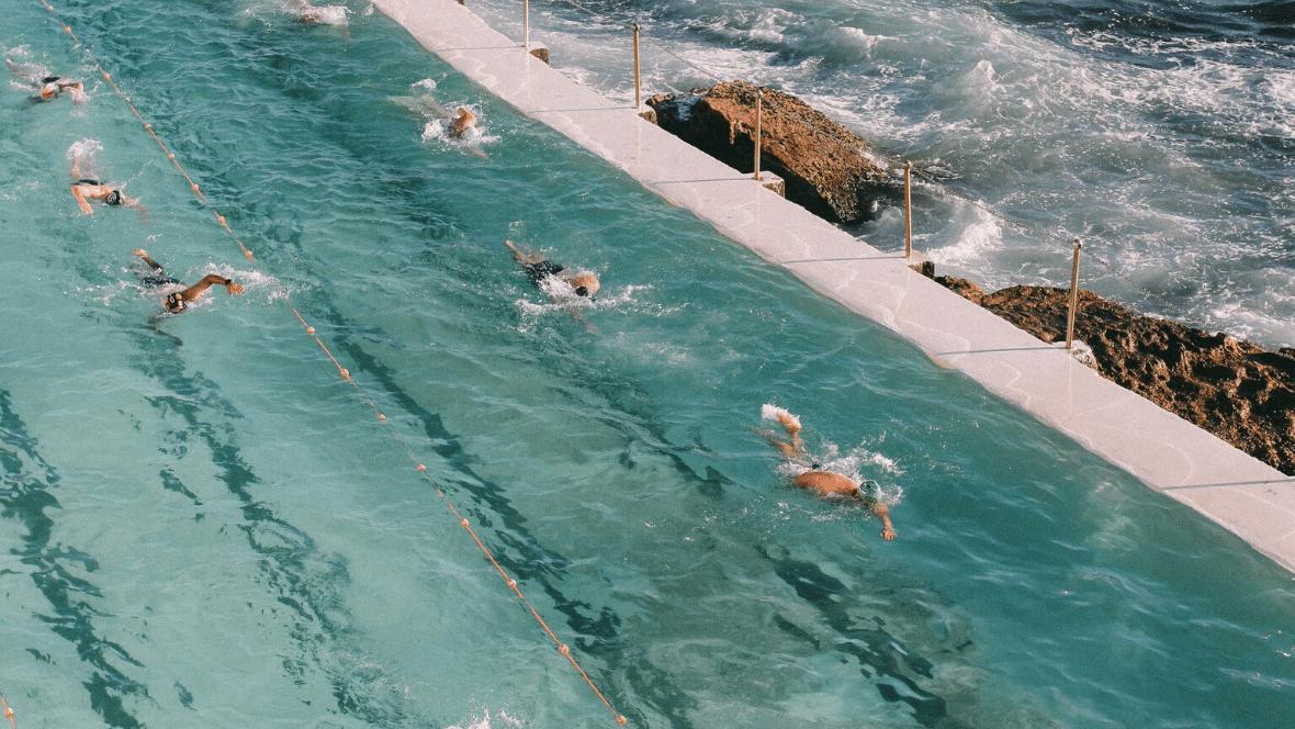 zwemtraining met elastieken