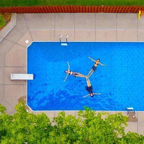 Zwemelastieken zwemmen klein zwembad weerstandband