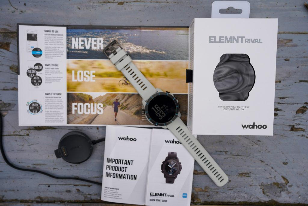 Inhoud doos ELEMNT Rival horloge