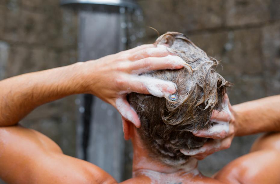 Haarverzorging tips voor zwemmers: Zo voorkom je droog haar!